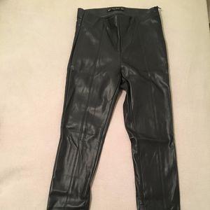 Zara - Faux Leather Leggings/Skinny Pants - Black